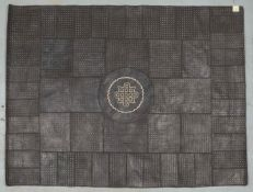 Lederteppich (Afrika), genäht, Patchwork in verschiedenen Farben/Musterungen; Maße ca. 15