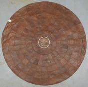 Runder Lederteppich (Afrika), runde Form, genäht, Patchwork in verschiedenen Farben/Musterungen