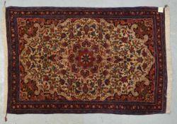 Bidjar, feine feste Knüpfung, hellgrundig, mit floraler Musterung, hochflorig; Maße 164 x