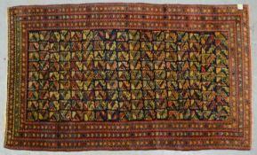 Orientteppich (Kaukasusgebiet?), antik, Pflanzenfarben, mit stiliserten Motiven durchgemustert, mit