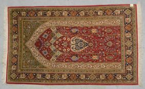 Ghom, feine Knüpfung, komplett, Flor in gutem Zustand, gepflegt; Maße 214 x 132 cm