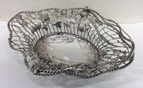 A fine quality Georgian silver basket decorated wi