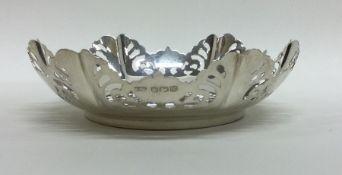 A good quality pierced silver bonbon dish. Sheffie