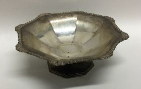 An Edwardian silver bonbon dish of shaped form. Lo