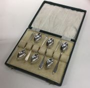 A cased set of six Edwardian silver teaspoons. She