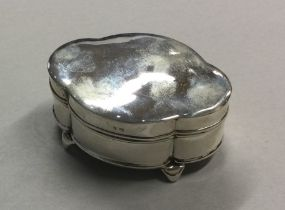 An Edwardian silver ring box of shaped form. Birmi