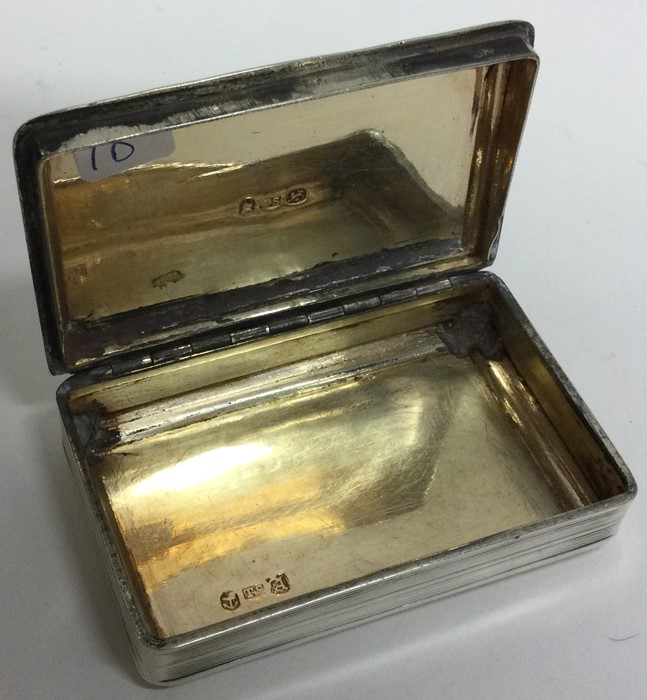 A good George III silver snuff box with reeded bod - Image 2 of 2