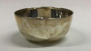An Edwardian silver plain sugar bowl. Birmingham.