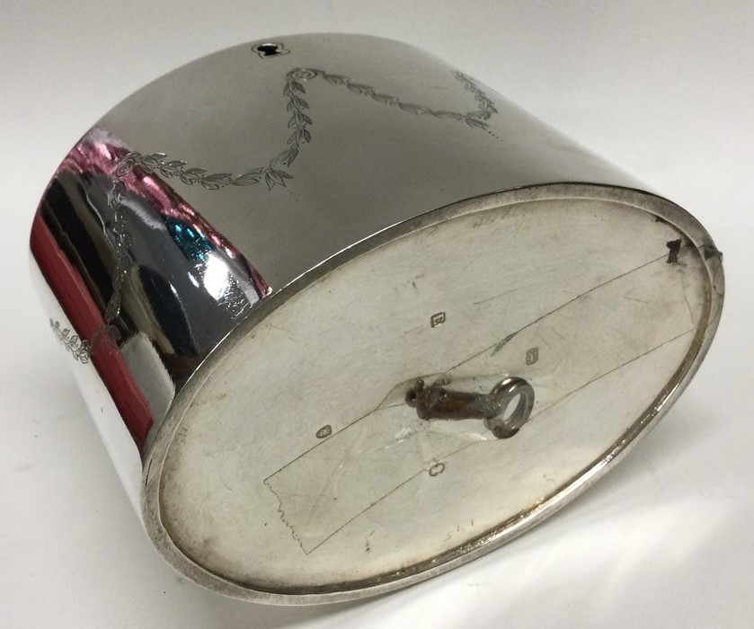 A good George III silver tea caddy with scroll dec - Image 3 of 3