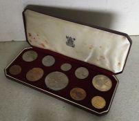 A cased 1953 coin set. Est. £20 - £30.