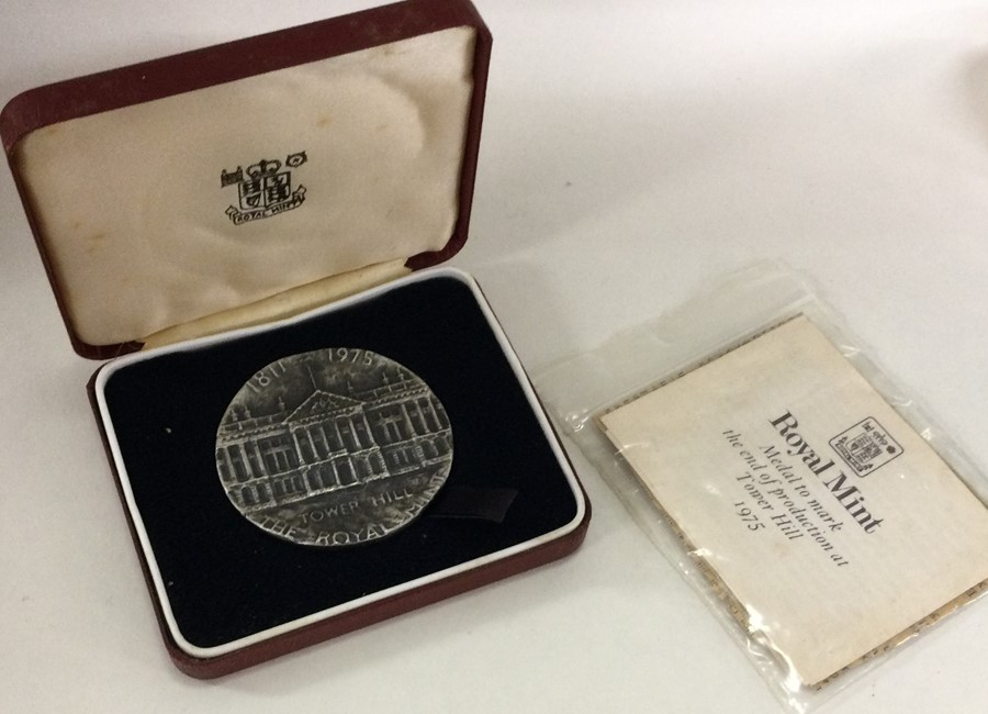 A cased silver Royal Mint medallion to commemorate