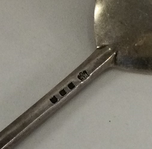 A heavy Georgian style silver Apostle top spoon. L - Image 2 of 2