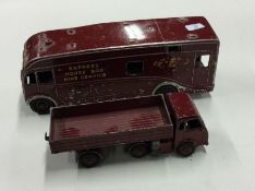 DINKY: A toy Express horsebox together with a truc