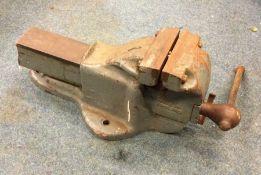 A heavy duty Parkinsons No. 9 Bench Vice. Est. £40 - £60.