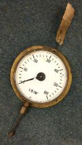 An S. Smith and Sons 0-600psi live steam pressure gauge. Est. £10 - £20.