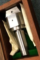 A Milling Machine Boring Head in box. Est. £80 - £120.