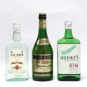 3 bottles, 1x Henry's No1 London Special Dry Gin 37.