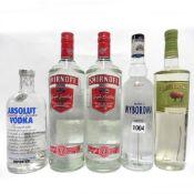 5 bottles, 2x Smirnoff No21 1 litre 37.