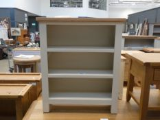 Small cream painted oak open front 3 shelf bookcase (45)