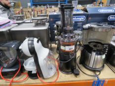 (TN49) Juicer, spice rack and 2 Nescafe Dolce Gusto coffee machines