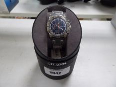Citizen stainless steel strap gents wristwatch with box (damaged glass)