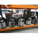 3044 - 4 unboxed Instant pots plus a pressure cooker