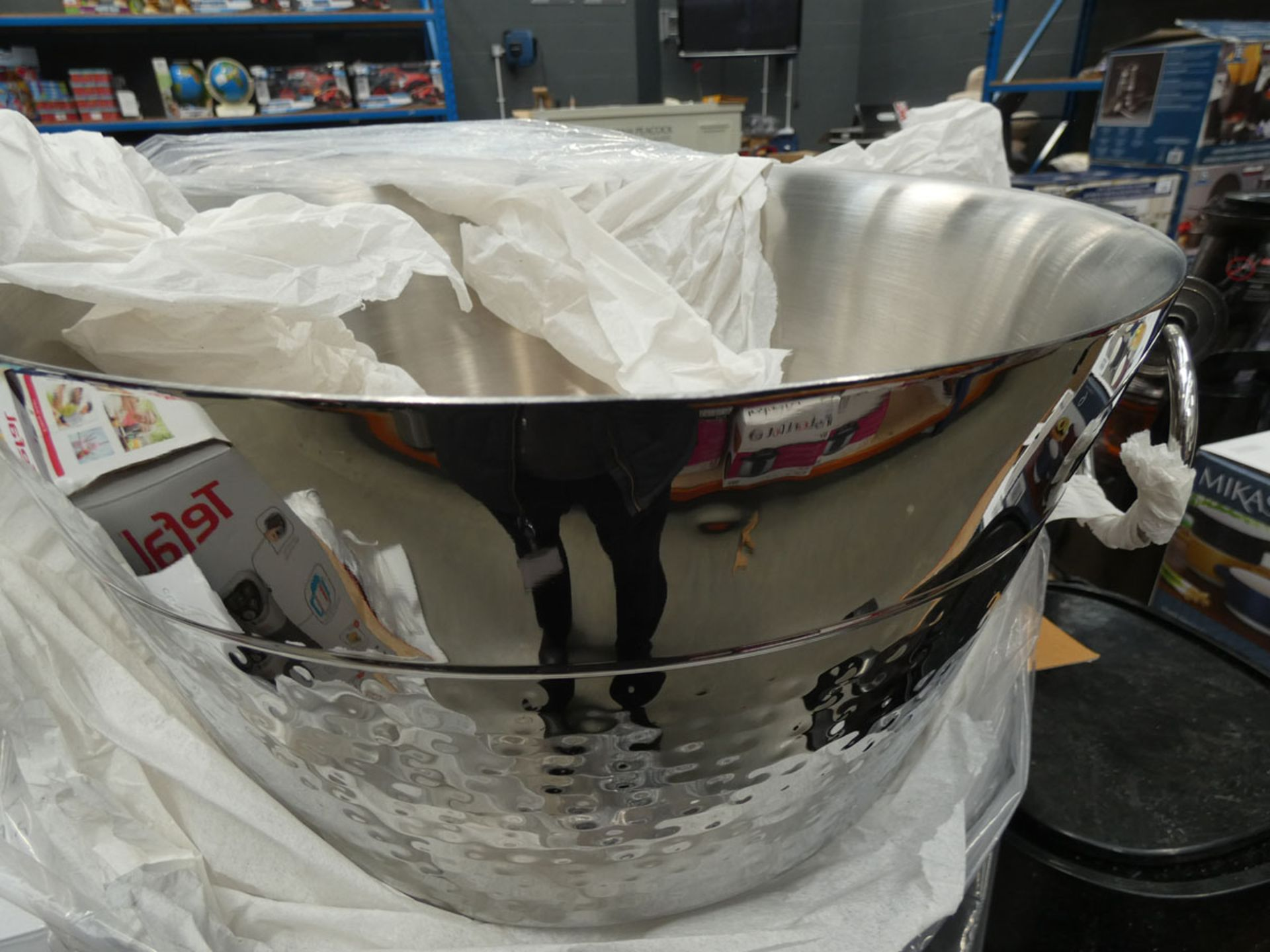 Boxed Mikasa double wall beverage tub - Image 2 of 2