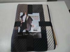 Ellen Reyes reversible fashion wrap
