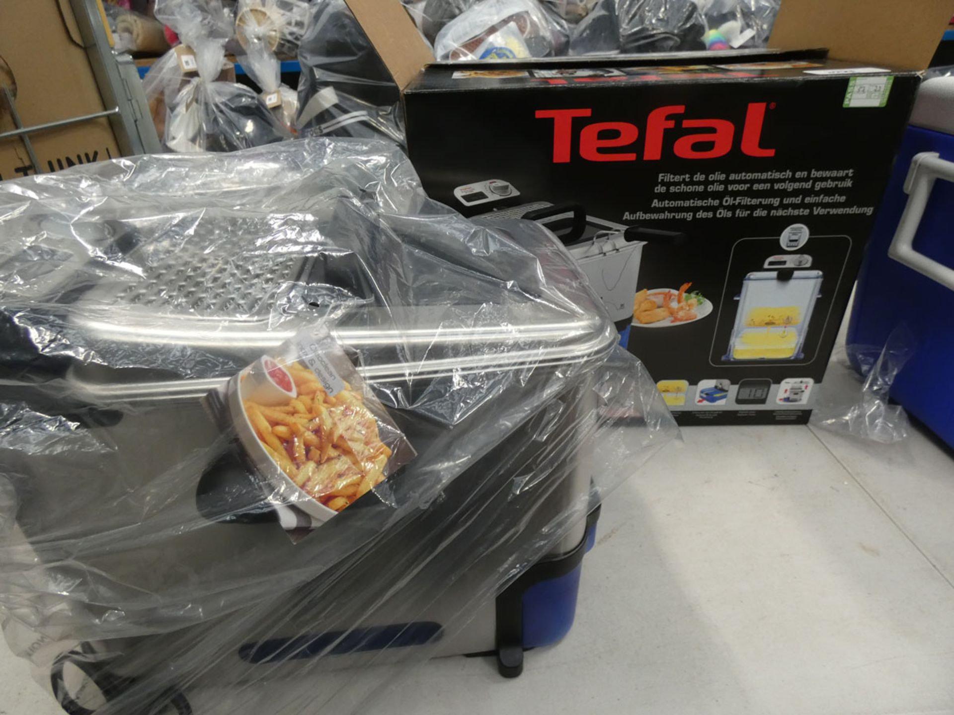 3071 - Boxed Tefal filter fryer