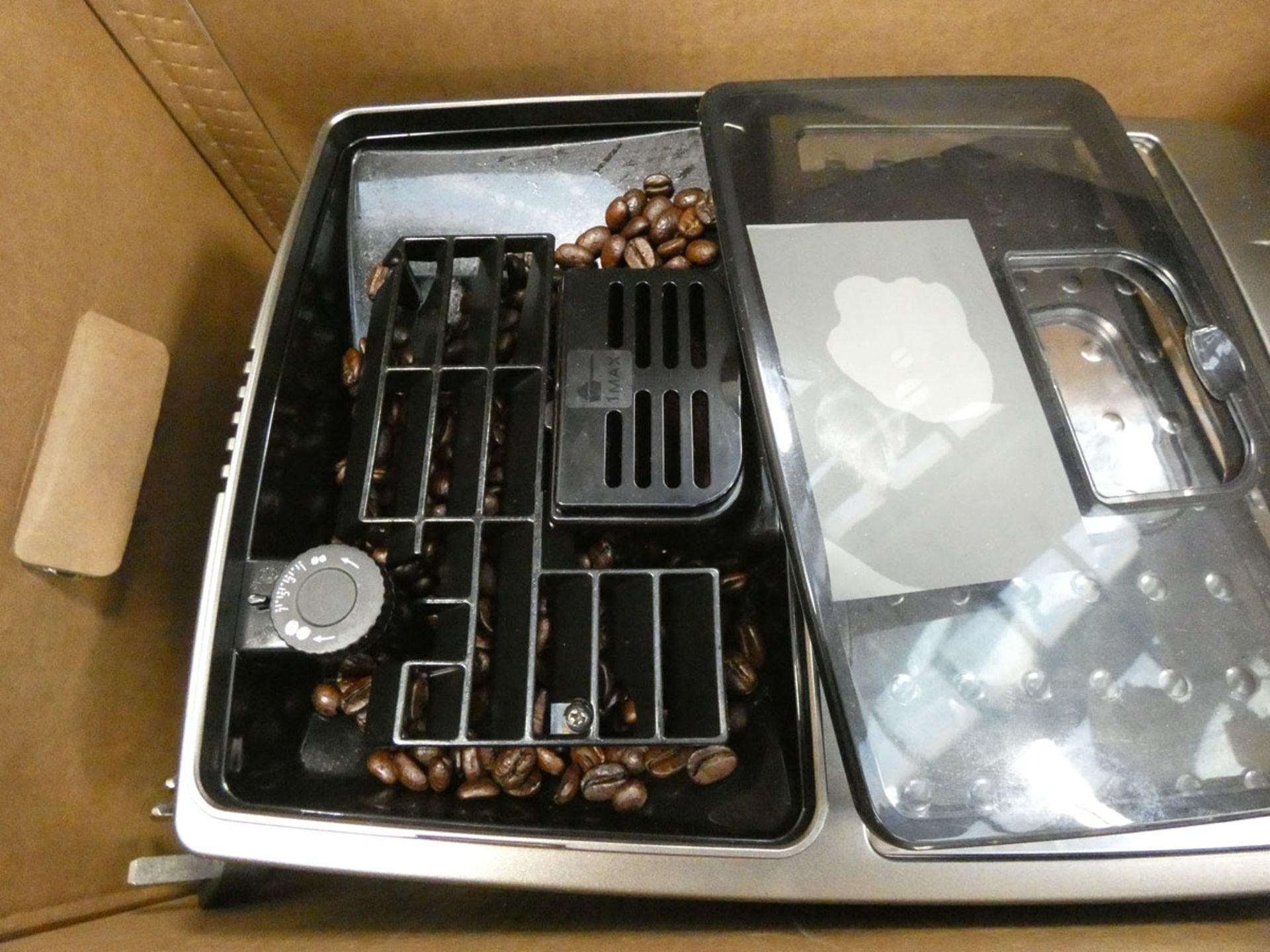 3007 - Boxed De'Longhi Magnifica smart coffee machine - Image 2 of 2