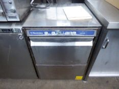 60cm Electrolux wash safe under counter drop front dish washer