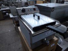 35cm electric Infernus INEF-16V single tank bench top fryer with baskets