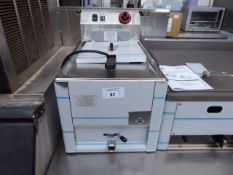 (TN20) 35cm electric RM Gastro bench top single tank fryer with 1 basket