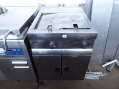 (175) 60cm gas Lincat 2 well fryer with 2 baskets