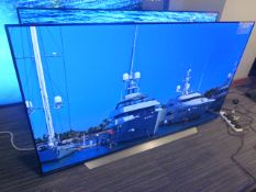 R58, 65'' LG 4K UHD OLED TV, model OLED65CX5LB, to include box no. B4
