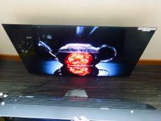 R41 - 55'' LG OLED 4K UHD TV model: OLED55BX6LB including box no. B118