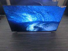R27 - 55'' LG OLED 4K UHD TV model: OLED55CX5LB to include box no. B105