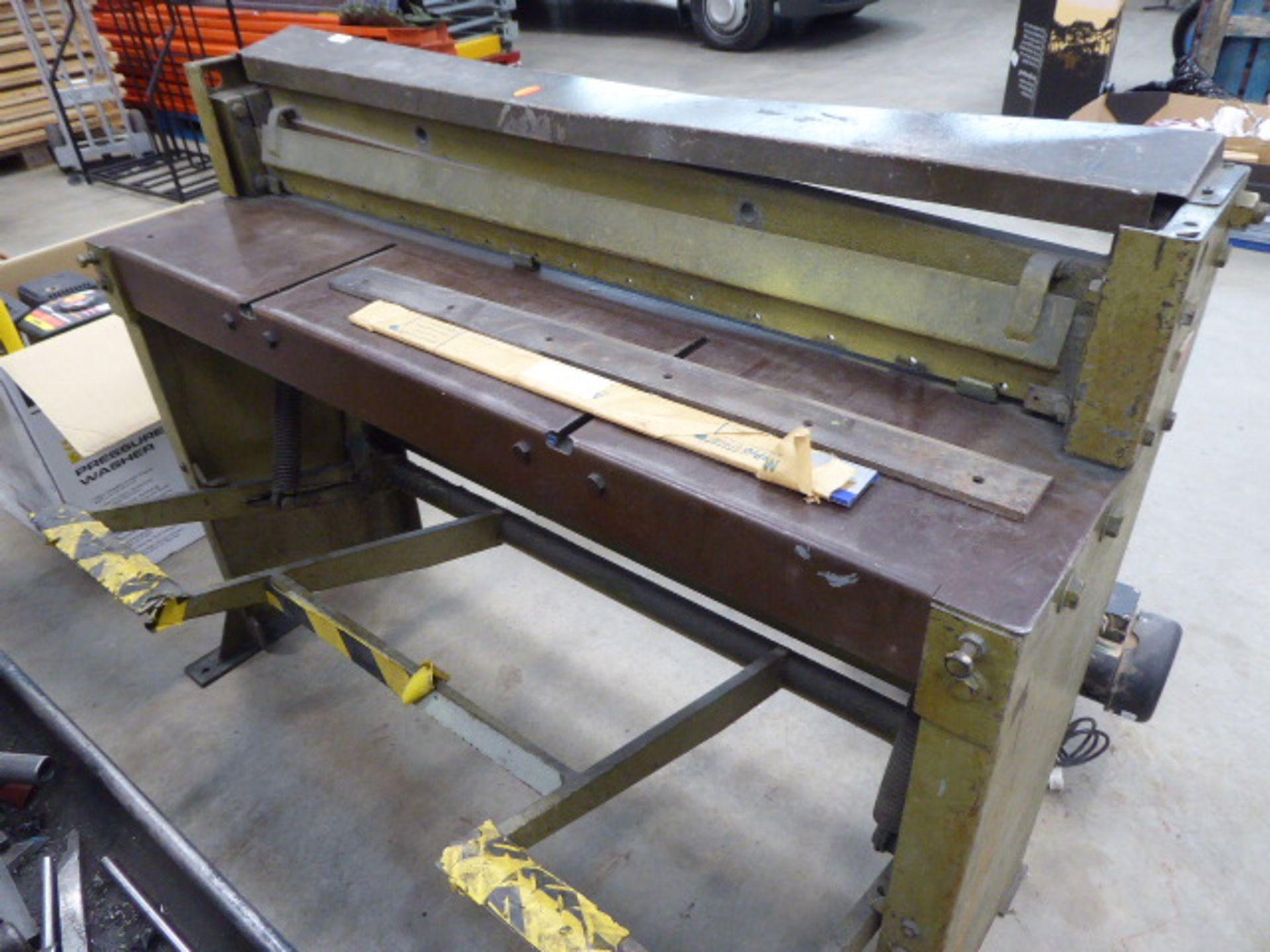 Edwards model 416 sheet metal guillotine