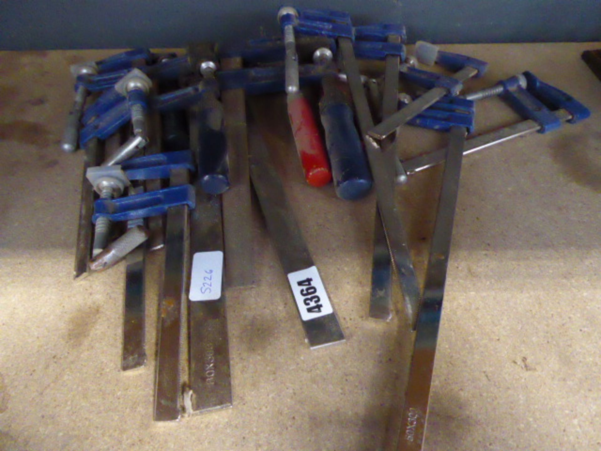 Large quantity of hand clamps