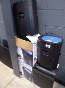 2 boxed and 3 unboxed paper shredders
