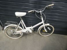 Universal white ladies fold up bike