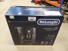 (TN3) Boxed De'Longhi Magnifica smart coffee machine