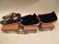 2 pairs of Moda in Pelle Beani trainers EU sizes 36 and 37 and a pair of Moda in Pelle Fioni leather