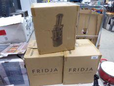 3 boxed Fridja juicers