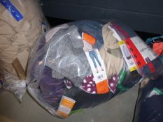 3047 Bag containing ladies mixed clothing including 32 Degree Heat, Jezebel and DKNY hoodies,