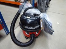 (TN102) Henry micro vacuum cleaner with pole and a small bag of accessories Condition report: Little