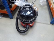 (TN104) Henry micro vacuum cleaner with pole and a small bag of accessories Condition report: Some