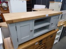 Low level grey painted oak top TV audio unit with 2 shelves and cupboards (20)