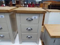 Grey painted oak top bedside unit with 3 drawers (11)