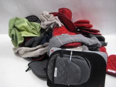 Bag containing tea towels, oven glove by Kitchen Aid